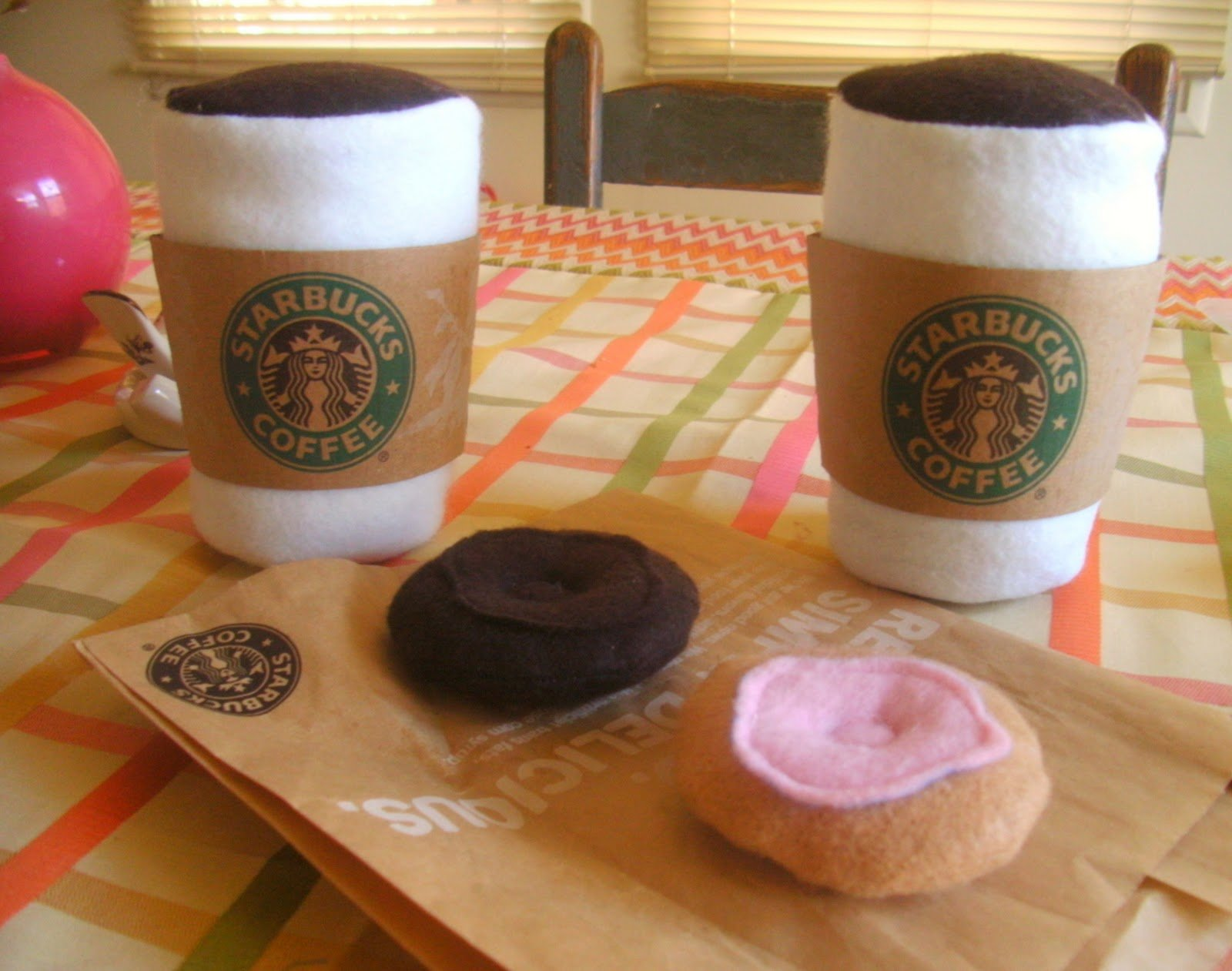 Coffee for two {year olds} – Starbucks Felt Playset