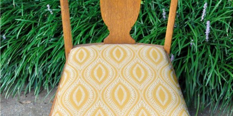 *Guest Post Thursday* – DIY Chair Bottom Makeover